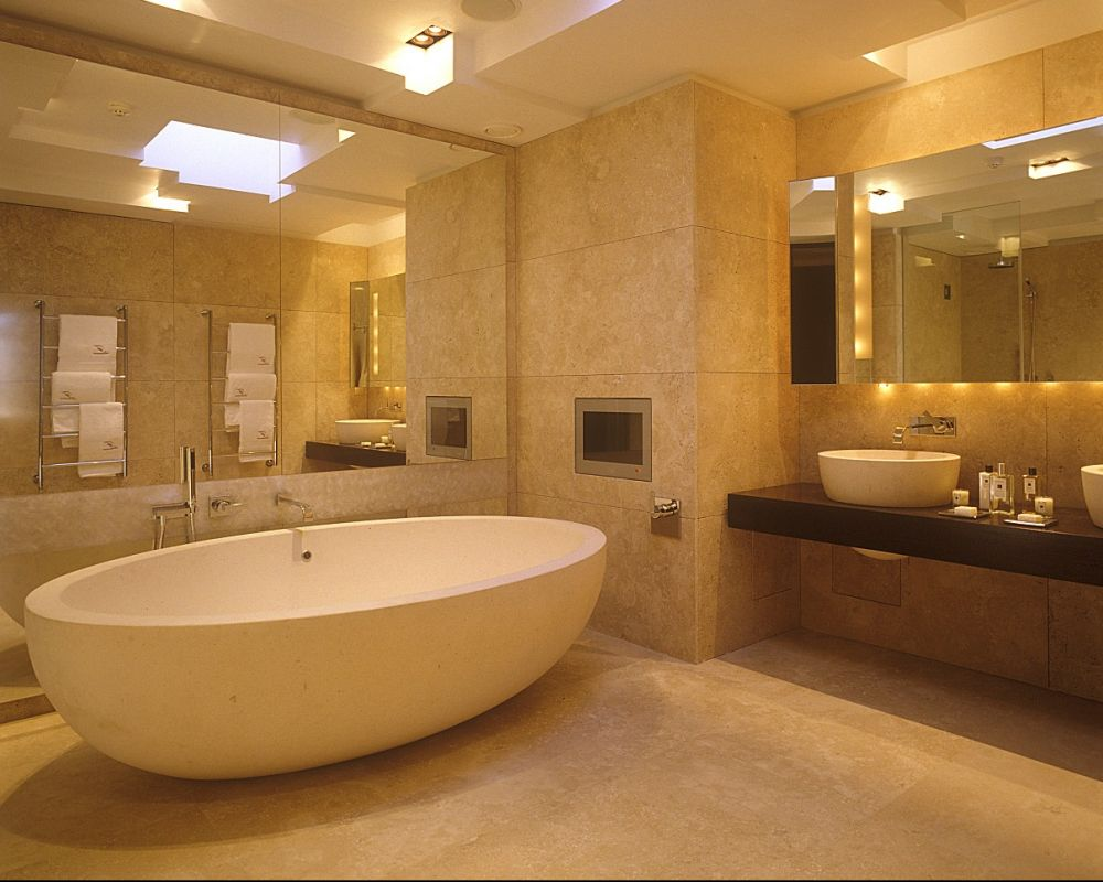 Penthouse Main Bathroom